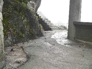 080110-Waheitei-gomibakoHakai-.jpg