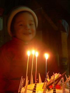 090127-BathdaySong4-Cake-.jpg