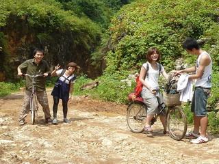 110702-jitensya-4hito-.jpg
