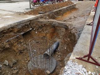 140323-manhole-paip-.jpg