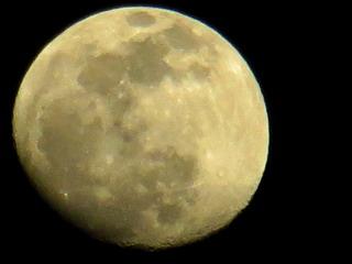 140512-moon-.jpg