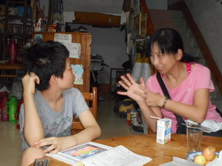 150829-Satiko-teach-Kita-English-.jpg