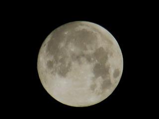 150927-2344-moon-.jpg